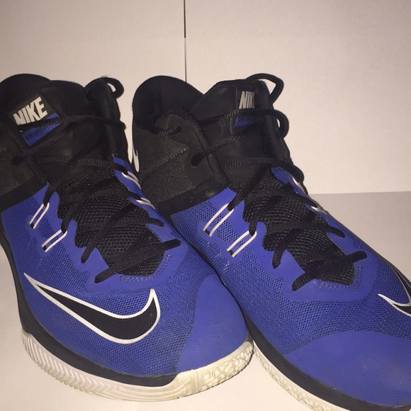 Nike Other - Nike Air Versitile 1
